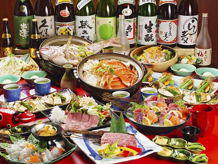 刺身から食事、デザートまで満足度の高い飲み放題付き宴会6コースから選べる。飲み放題のドリンクは、ビールが「サッポロ黒ラベル」など約50種類