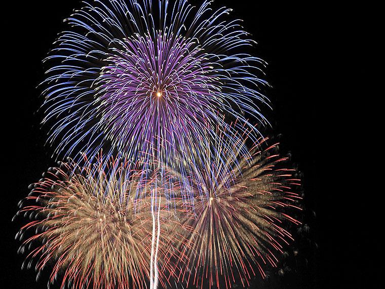 約1万発の花火が夏夜空に咲き誇る『ふくしま花火大会』