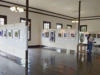 """テーマは""""光と影""""「旧伊達郡役所」で写真展を開催"""