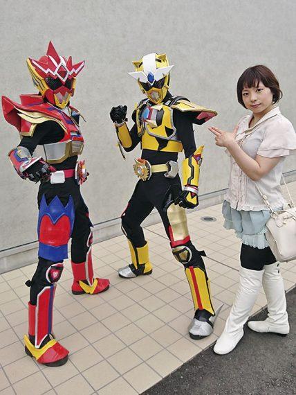 会場には「光の戦士ツインウェイター」とその仲間たちの姿も!快く写真を撮らせていただきました