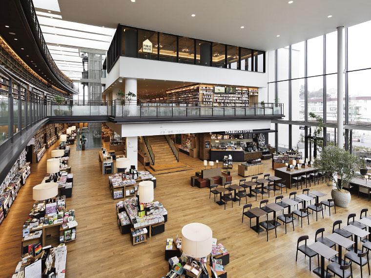 館内には首都圏で人気の「蔦屋書店」やカフェもあり、思い思いの時間を過ごすことができる