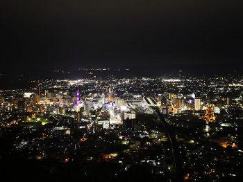 穴場夜景スポット・烏ヶ崎展望台。夜空に映える福島市街地を一望