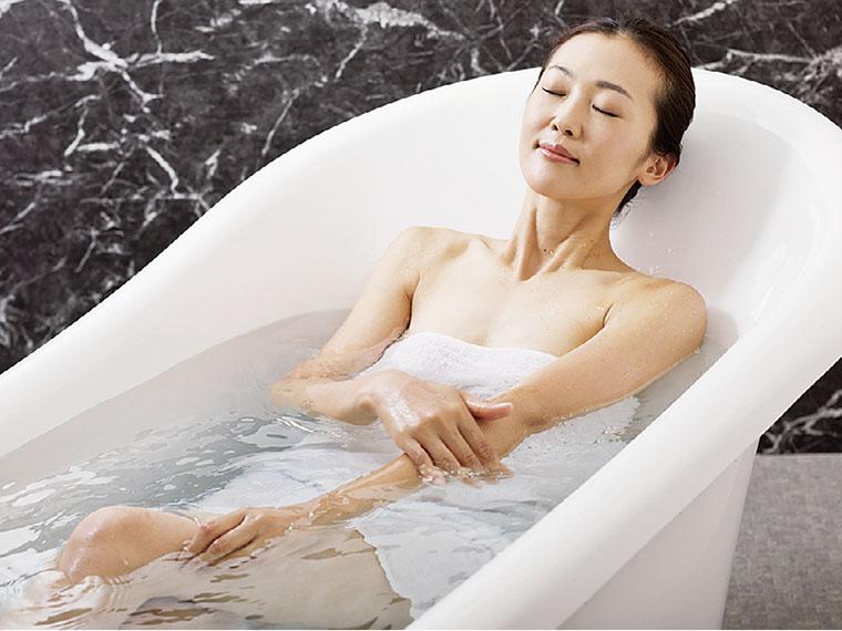 ヒノキの浴槽やマッサー ジチェアを完備したVIP ルームもあり。友だちと一緒に利用してもOK!