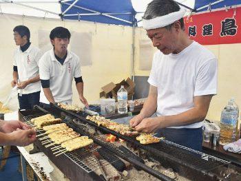 福島県内の地鶏を、焼きたてアツアツで楽しめる