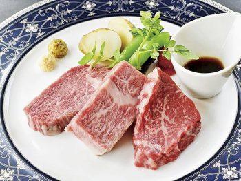 老舗の精肉店で味わう、上質な米沢牛