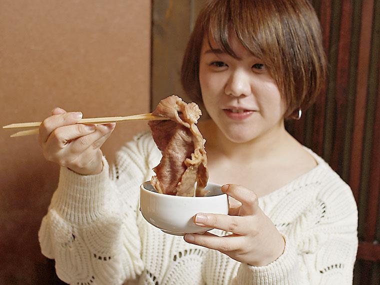 すごい!こんなに大きいお肉!!うっとりしてしまう。一口で食べられるかなぁ…