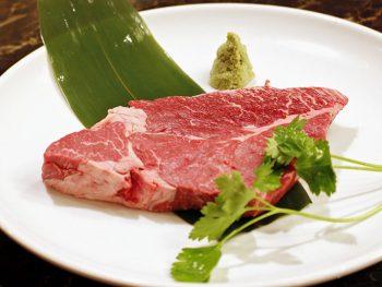 厳選した福島食材を使用。本格炭火焼肉と韓国料理を楽しめる