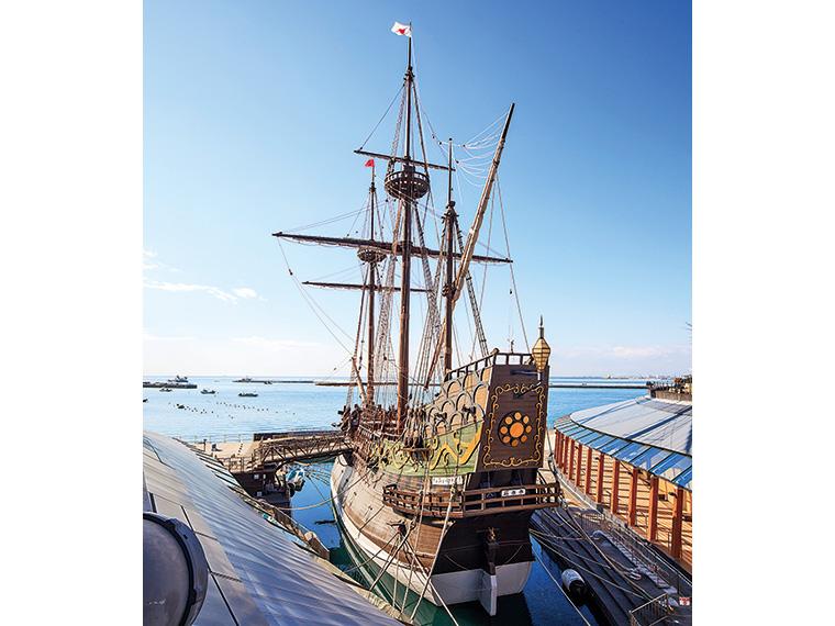 全長55メートルの雄大な「サン・ファン・バウティスタ号」。間近で見ると大迫力!