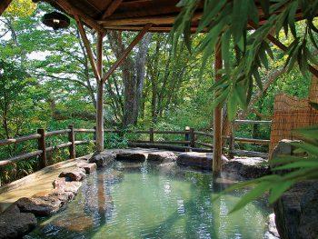 【注目の日帰り温泉】泉質自慢の絶景湯めぐりと人気の創作和・イタリアンバイキング
