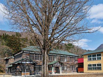 映画ロケを機に、廃校舎が観光・交流スペースとして再生