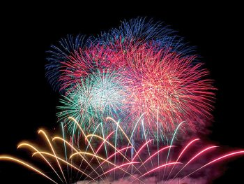 色鮮やかな花火を360度から楽しもう!