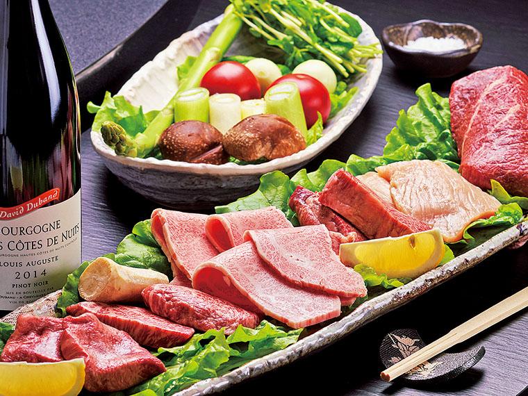 厚さや食感の異なるさまざまな肉が味わえる。メイン後の料理も楽しめること間違いなし