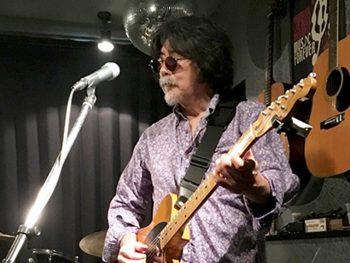 ブルースギタリスト・小出 斉が『時代屋』でライブ開催