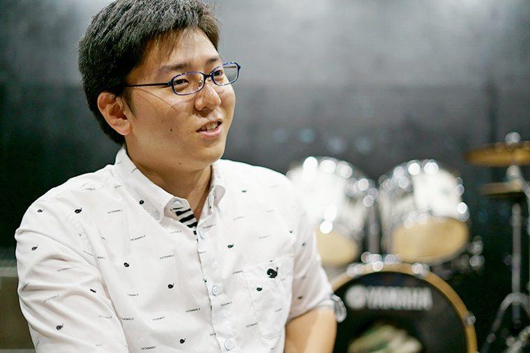 斉藤鷹介(Dr)