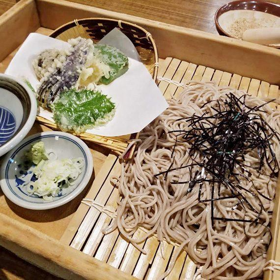 「孫薬師野菜天ざるそば」(850円)