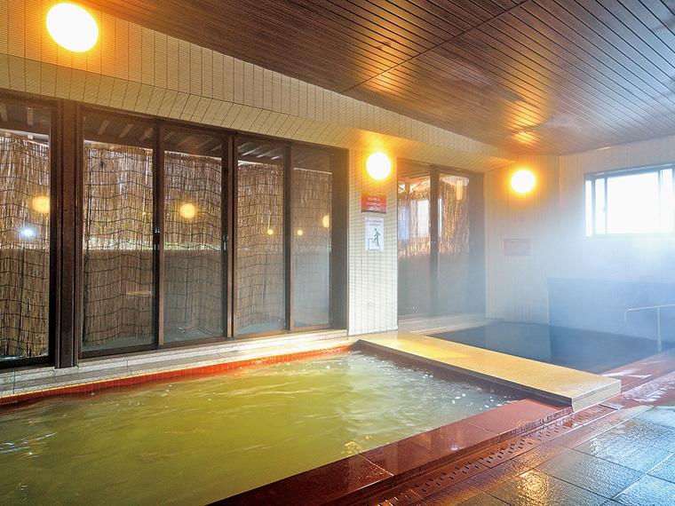 風呂は内湯のみ。泉質の異なる2つの温泉を同時に満喫できる