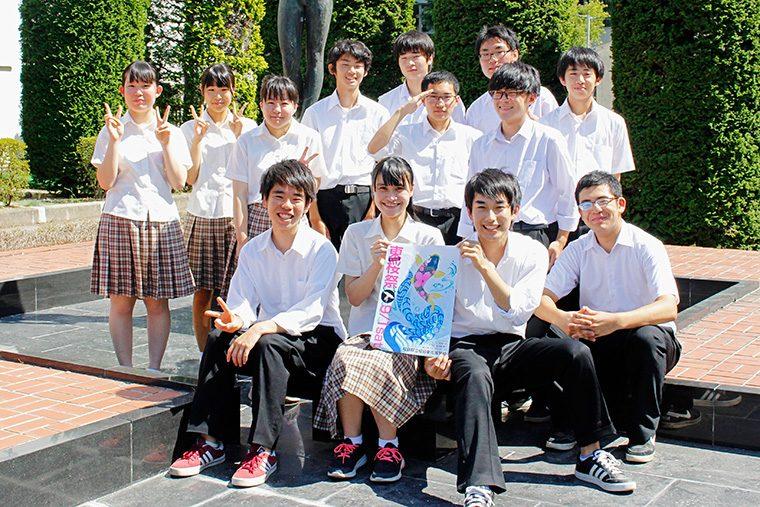 「東桜祭は、東高生の個性を活かしたクラス企画などがたくさんあります。誰でも楽しめるので、ぜひお越しください!」と実行委員会と生徒会の皆さん