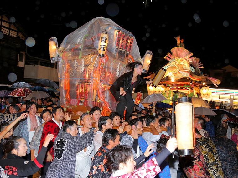 昨年の「御神輿パレード」の様子