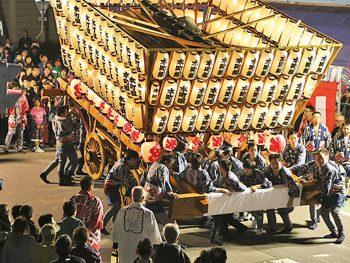 山車のぶつかり合いは圧巻!『鹿島神社例大祭』開催