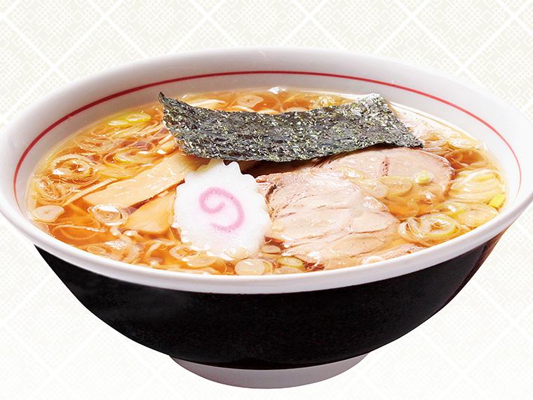 「米沢ラーメン(醤油)」(650円)。コクと旨みが際立つ鶏ガラ・煮干しスープに、3種類の醤油とダシ汁をブレンド。プリプリした極細麺との相性は抜群