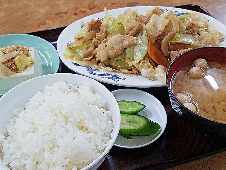 「バイパススタミナ定食」(730円)