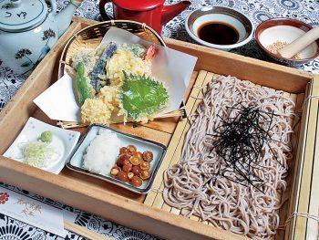 海老&野菜天ざるが付いて1,000円!