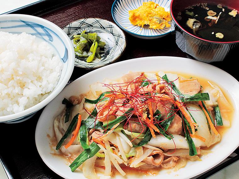 ホルモン定食700円〈ホルモン・ご飯・スープ・小鉢2種〉【提供時間11:00〜14:00ラストオーダー】