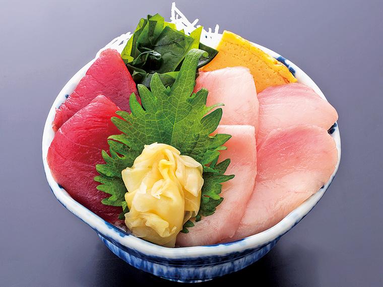 「ダブルまぐろ丼」(味噌汁付き・980 円)
