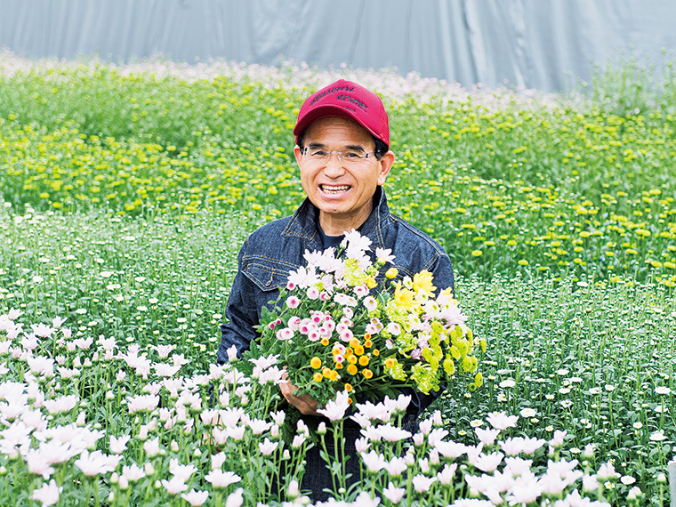 「伝統的な菊に加え、カラフルな洋菊・マムのお披露目です!」と二本松市長(撮影地/ムトーフラワーパーク)