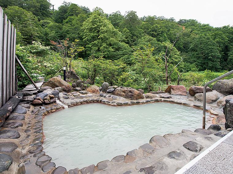 大浴場に併設された露天風呂