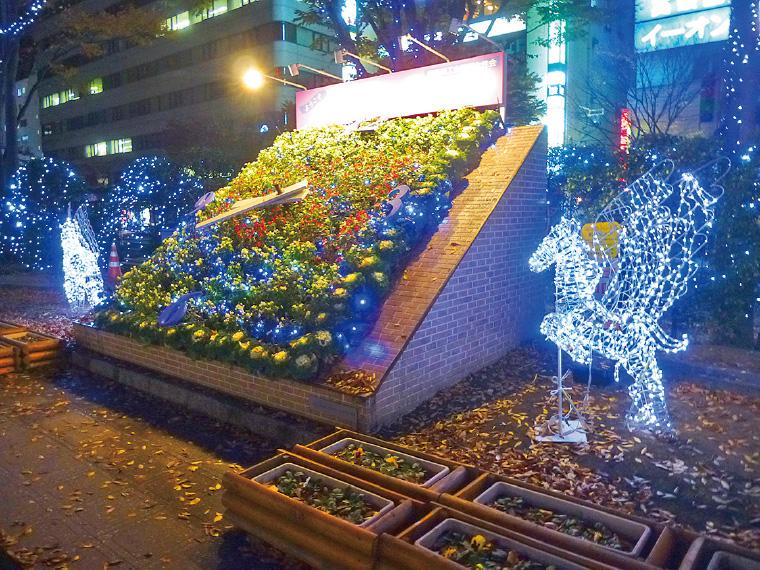 福島駅前が幻想的な世界へ様変わり
