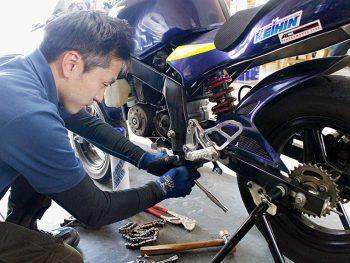シーズン前のメンテナンスにとっても便利!バイクの作業工賃10%オフ!!