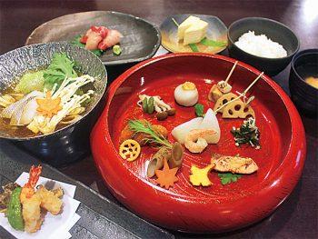 ゆっくり和食を味わいたいなら『谷津家』で