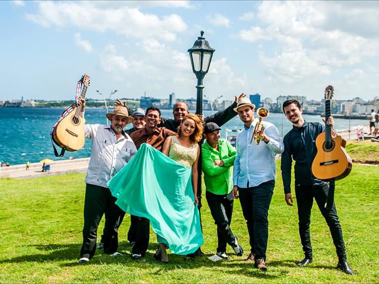 キューバの国民的アーティスト、パンチョ・アマートがバンド体制で来日