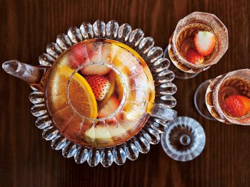 冬のアフタヌーンティーで優雅なひとときを。紅茶を極めるティーエキスパート受講生募集も開始