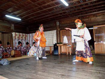 棚倉町の『霜月大祭』で伝統の神楽を堪能しよう。ユズやショウガの露店も