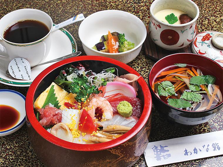わかなランチセット1,390円〈ちらし寿司・お吸い物・小鉢・茶わん蒸し・コーヒー〉【提供時間11:00〜14:00ラストオーダー】