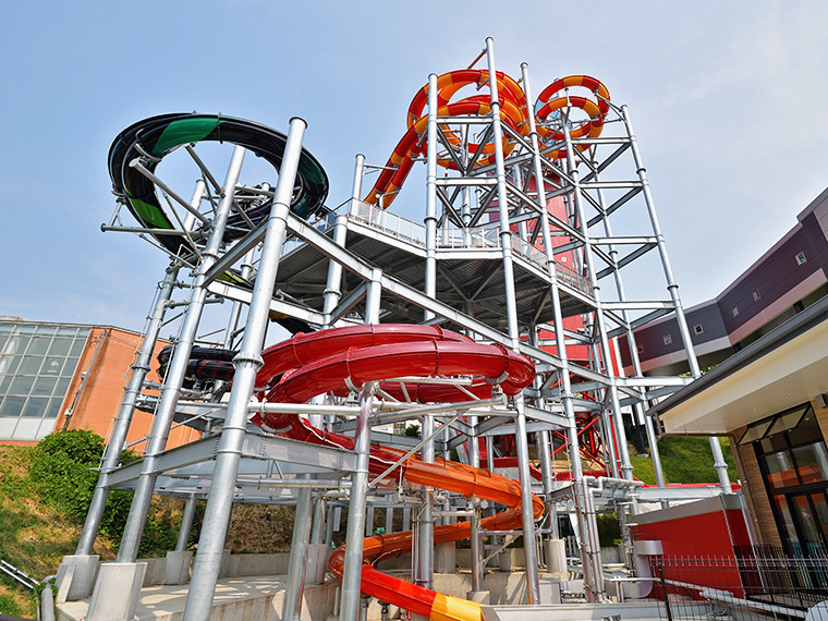 高低差・長さ共に日本最大級のボディスライダー「ビッグアロハ」