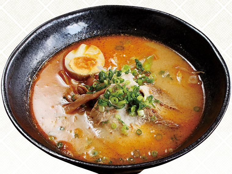 「札幌こく味噌らーめん」(770円)。北海道産味噌と白湯スープを使ったまろやかな口当たり。秘伝の自家製オイルで旨みとコクを引き立てる