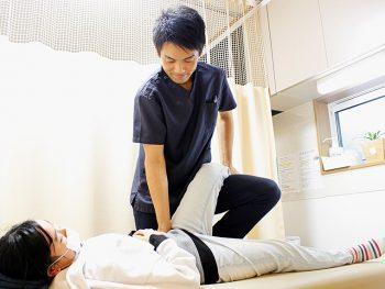 辛い腰痛と今年こそはお別れ‼今なら初回施術を2,980円に!