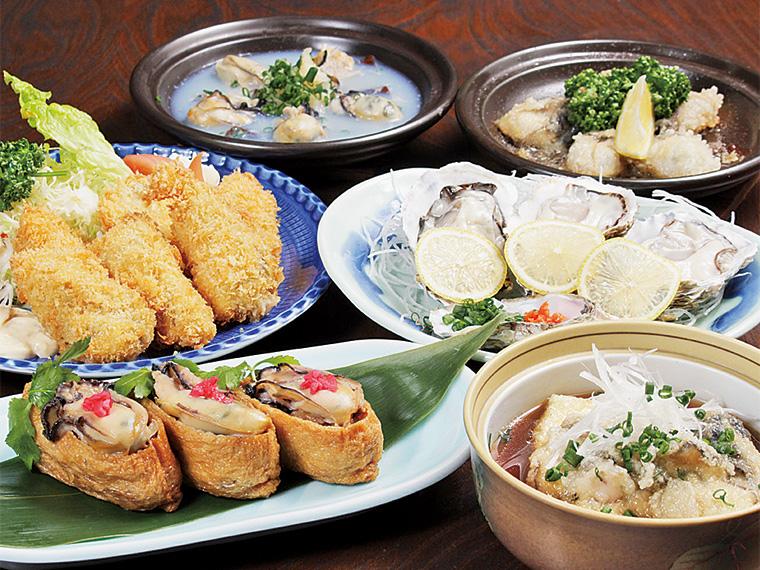 奥左から「かき昆布蒸し」「かきバター焼」(各680円)、手前右「かき豆腐」(730円)。春に向けてふっくらおいしくなる牡蠣を