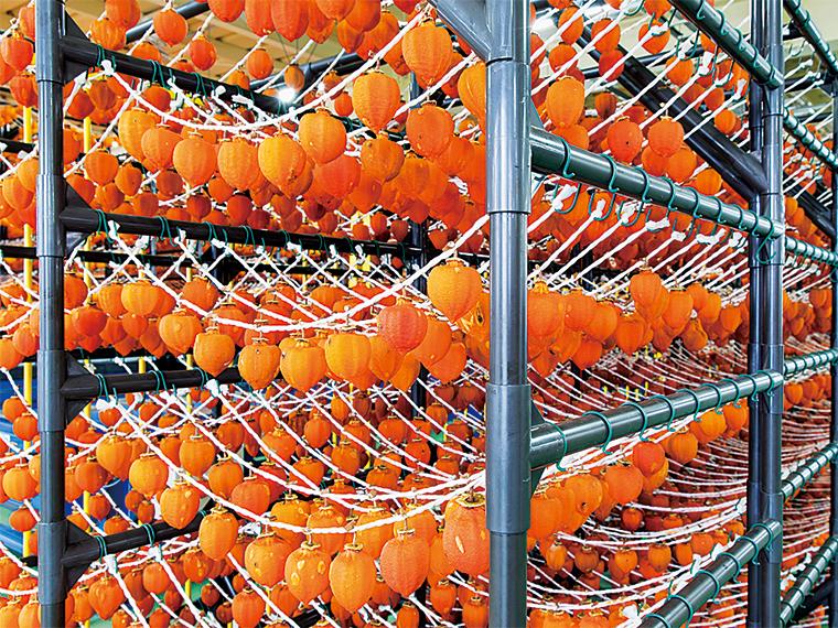 選別加工から出荷まで全行程を一貫管理し、安全で安心、そして高品質な商品を提供している。出荷は3月中旬頃まで