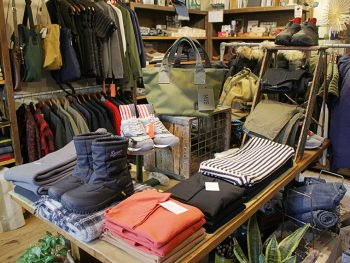 「半端ないって!」店内全品10%オフ。数量限定お楽しみ袋!冬物セール‼