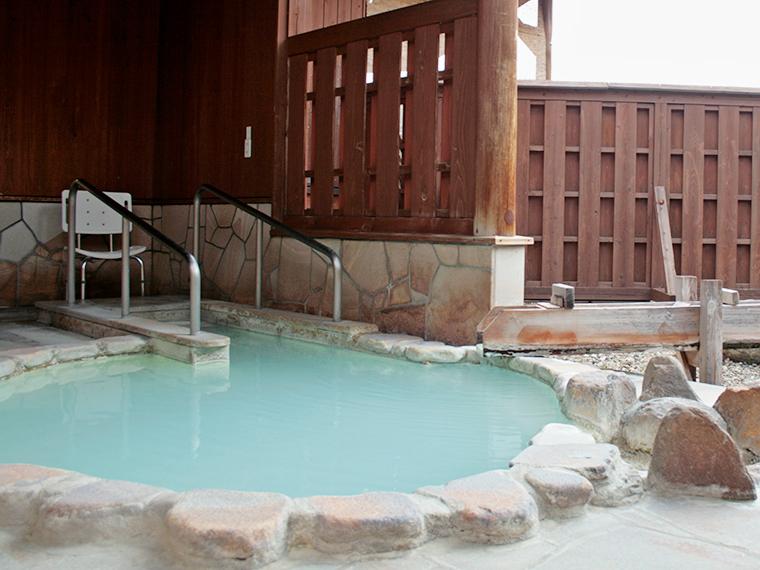 貸切風呂もあります(50分1,000円、入浴料は別途、要予約)。冬季は閉鎖されることもあるため、施設へ確認を