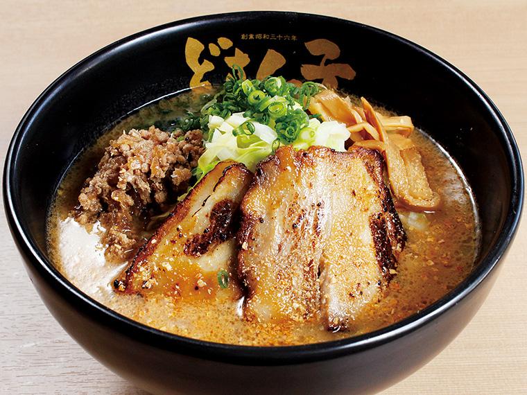 「金練(きんねり)」(880円)。豚骨スープに北海道産「生味噌」を合わせ、味噌本来の味わいを追求。濃厚でコクのある一杯は、一度食べたらクセになる
