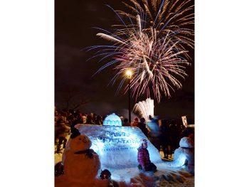 山形県の冬を楽しもう!雪像展示や冬花火、ご当地グルメ!スイカ割りも!?