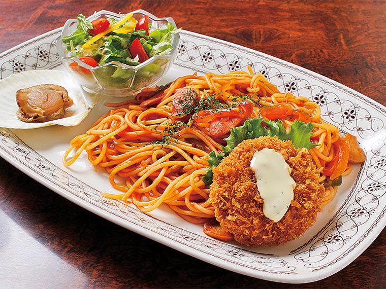 オープン当時から提供している昔懐かしい味わいの「ナポリセット」(900円)も人気