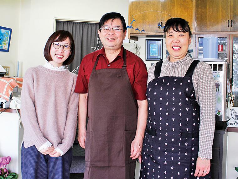 温かく迎えてくれる箱崎さんご夫婦。2018年1月、第3回地産地消大賞を受賞した「田村市ご当地グルメプロジェクト」の代表も務める
