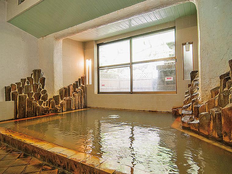 浴室「三宝の湯」。自家源泉を加水も循環もせずに使用