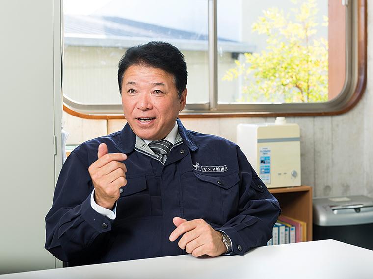 「どこか不器用な人の方がなぜか職人としては伸びます」と話す安田代表取締役